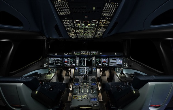 cockpit003