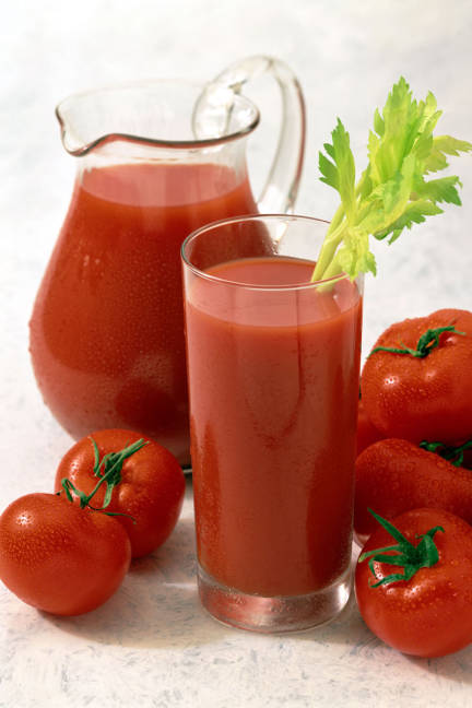 elle-foods-for-gorgeous-skin-tomato-juice-xln-lgn