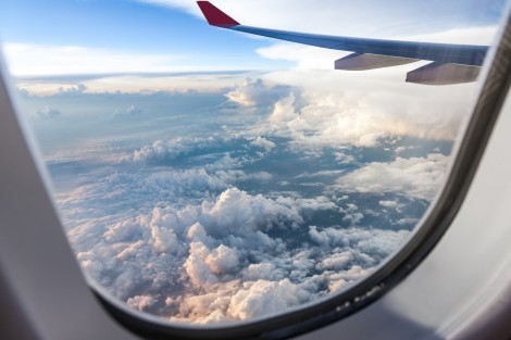 airplane_window-e1458238386297